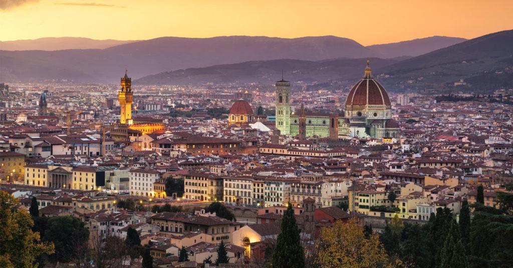 Cidade de Florença. Firenze ao anoitecer